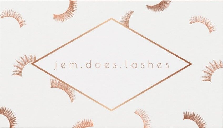 Classic eyelash extensions in Limehouse £25 until Dec. 1st!