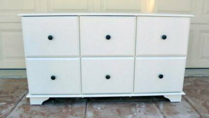 White 6 Drawer Chest of Drawers / Storage