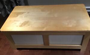 Ikea, table basse avec 2 cubes de rangement