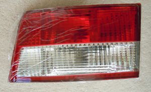 2003 - 2004 Honda Accord Sedan Inner Taillight Tail Light Set