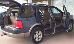 03 Ford Explorer EDDIE BAUER, 4X4, LEATHER, 7seat - FULLY LOADED Moose Jaw Regina Area image 9