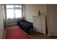 Stunning 3/4 bed maisonette with a garden and dine-in kitchen, available now