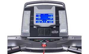 OMA 2318 Folding Treadmill On Sale and in Stock! London Ontario image 3