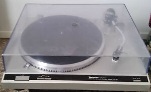 TECHNICS SL-Q2 direct drive turn table