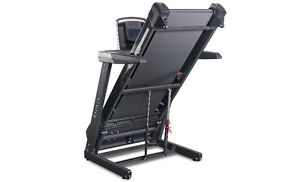 OMA 2318 Folding Treadmill On Sale and in Stock! London Ontario image 2