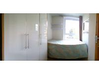 A SUPERB small double room by Borough/London Bridge/Elephant & Castle