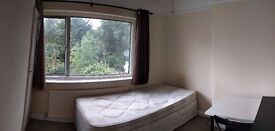 Good size single room in Golders Green, NW11.