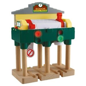 Thomas and Friends Wooden Train - Sodor Deluxe Signal House