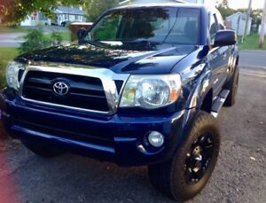 2007 Toyota Tacoma 4wd acc v6 4.0L Camionnette