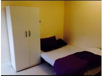 ONE DOUBLE ROOM FOR RENT IN MANOR PARK