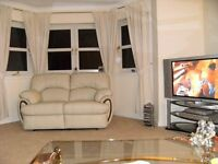 Warm large double room in new friendly house!