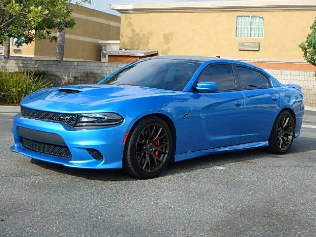 2015 Dodge Charger SRT Hellcat: 2015 Dodge Charger SRT Hellcat CLEAN TITLE Blue Pearl Color Only 25K Miles!!