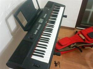 Yamaha digital piano NP60 & Stand ( 76 keys ) + adapter