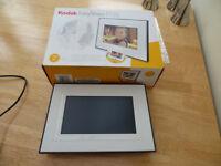 Kodak Easyshare P720 digital 7 inch photo frame