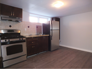 May 1st - 144 Osgoode - 4 Bedroom - Steps to Uottawa