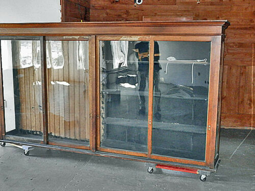 Pacific Maritime Heritage Center Newport, OR 1920s 10' Oak Glass Display Case