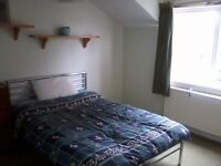 Double room in shared house, quiet location - Central Topsham