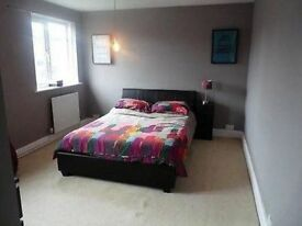 Double Room in Shadwell 1 stop from Bank!
