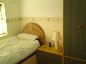 Single bedroom in a lovely Semi Det. house share. Lytham St.Annes rent room lodger
