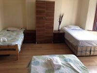 Triple room very close to East and West Croydon