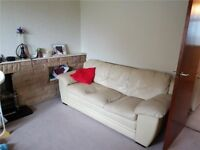 Very large Double Room in City Centre. Couples are Welcome