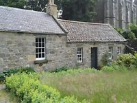 2 bedroom traditional cottage with garden to rent, in a quiet setting adjoining the Falkland Palace