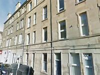 ATTRACTIVE 1 BED FURNISHED GROUND FLOOR FLAT IN GORGIE