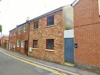 Large three bedroom house to let £800