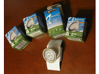 4 Kosnic LED bulbs, hardly used