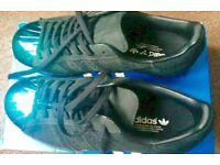 Adidas metal toe superstars size 8