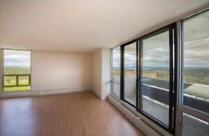 Large 1 bedroom with stunning city view!