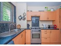 ***OLD STREET: Spacious 3 Bed with Balcony****