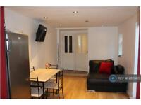 5 bedroom house in Campbell Road, London, E15 (5 bed)