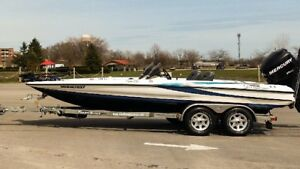 Bass Boat 2009 Triton 20HP 250 Mercury