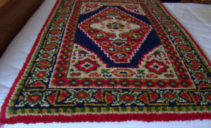 100% wool Handmade rug  NEW but OLD