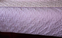 Twin/single bedspread-LILAC quilted circles-A1 condition
