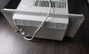 Air Conditioner, like new, 5000 BTU