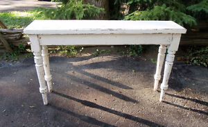 COTTAGE STYLE CONSOLE TABLE