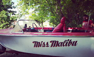 RED & WHITE BOAT!! With TRAILER!!!!