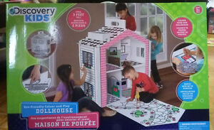 Discovery Kids Cardboard Colour and Play Dollhouse