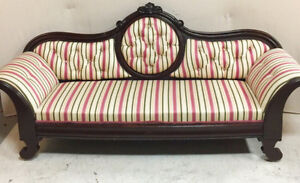 507: Gorgeous Late Victorian 1860s Cameo Back Tufted Settee
