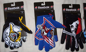 AUTHENTIC CFL FOOTBALL GLOVES - MONTREAL ALOUETTES + MORE West Island Greater Montréal image 3