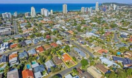 Granny Flat Available in Burleigh Waters