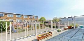 Three bedroom flat to let in Bermondsey (SE16) close to the Jubilee Line and London Bridge