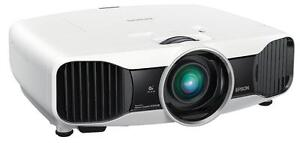 Projecteur Epson 5030UB LCD 2D / 3D 1080P Projector HDMI 1.4