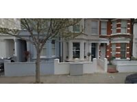 3 bedroom house in Bracewell Road, White City, W10