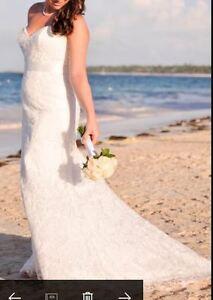 Ivory/Lace Wedding Dress