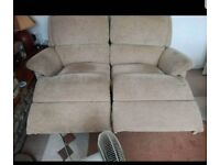 2 seater recliner sofa can deliver 07808222995