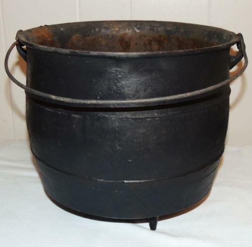 antique cast iron pot ebay. Black Bedroom Furniture Sets. Home Design Ideas