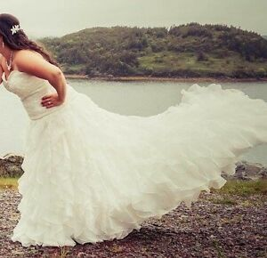 Beautiful Wedding Dress St. John's Newfoundland image 5